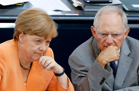 יוון אנגלה מרקל שר ה אוצר של גרמניה וולפגנג שוויבלה , צילום: רויטרס
