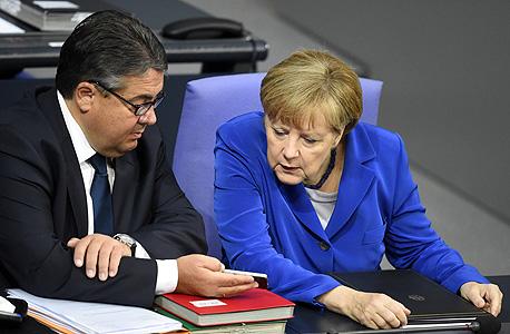 אנגלה מרקל שר ה כלכלה והאנרגיה הגרמני סיגמר גבריאל Sigmar Gabriel , צילום: איי אף פי