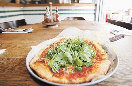 פיצה ג'ויה. האוכל טעים, השירות מעולה והמחירים הגיוניים