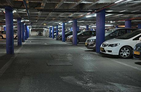 מעולה  כך הפכו החניות במגדלי המשרדים למצרך הכי מבוקש בתל אביב VT-28