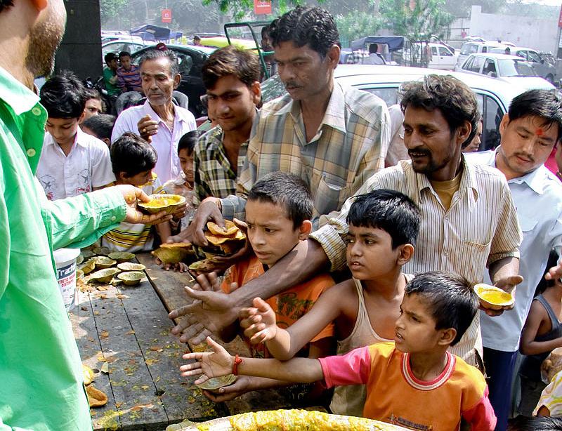 בהודו קו העוני נמוך מ-2 דולר ליום