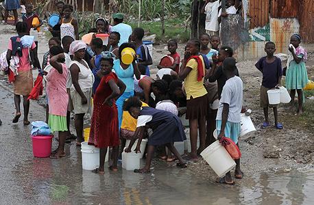 פליטים בהאיטי אחרי רעידת האדמה. אף אחד לא קיבל בית חדש