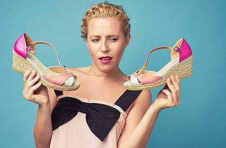 נעלי בולגרית:  245 במקום 350 שקל