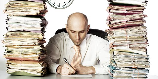 האם מותר לפטר אתכם כי אתם עובדים יותר מדי?