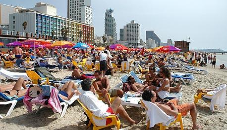 חוף בתל אביב. תפיסת היופי הטבעי של ישראל זינקה