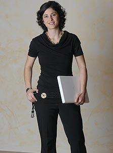 נעמה אלפנט. דוקטורנטית במסלול משולב בביואינפורמטיקה ולימודי רפואה באוניברסיטה העברית