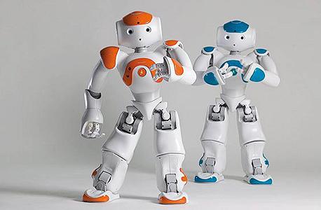 הרובוטים מקס ובן. מסייעים לתלמידים בחינוך המיוחד