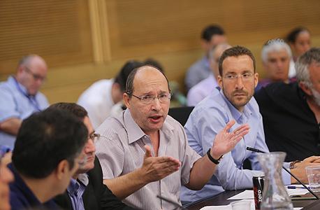 דיון בכנסת על רשות השידור מימין איציק שמולי אבי ניסנקורן, צילום: אלכס קולומויסקי