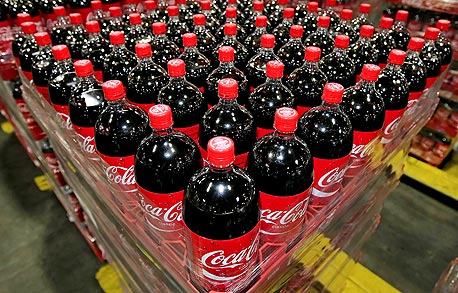 בקבוקי קוקה־קולה, צילום: בלומברג