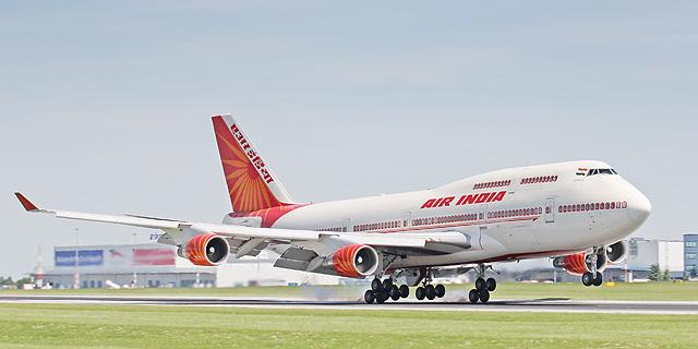 מטוס של איר אינדיה בעת המראה, צילום: שאטרסטוק