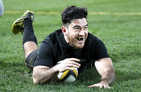 שחקן רוגבי של ניו זילנד. קבוצת ספורט מהטובות בכל הזמנים