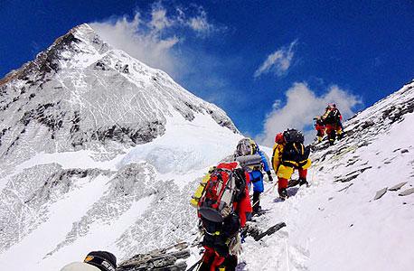 מטפסים על האוורסט