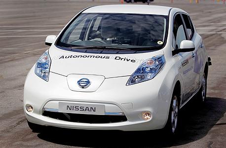 המכונית האוטונומית של ניסאן, צילום: בלומברג