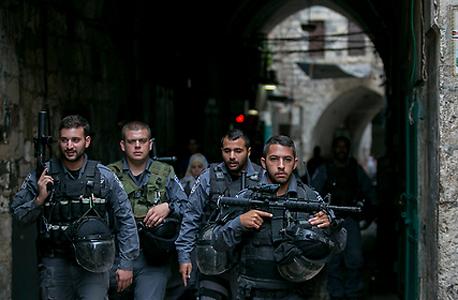 שוטרים בירושלים. למצולמים אין קשר לכתבה