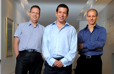 מימין: גלעד שביט, אורי עינן וגלעד הלוי, מנהלי קרן קדמה