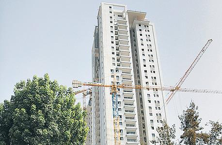 """מגדל טופ נדל""""ן ברמת גן, שבו אפשר להשיג דירת 3 חדרים תמורת 2 מיליון שקל"""