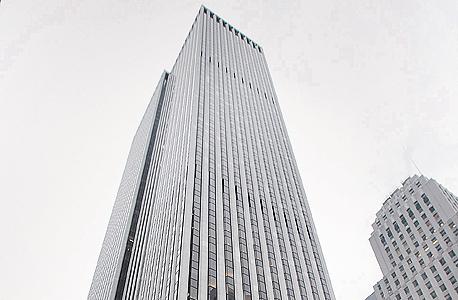 """בעלי חברת הנדל""""ן סוהו צ'יינה, בני הזוג ז'אנג שין ופאן שיי, קונים באופן פרטי 40% מבנייןGM , הנחשב לבניין המשרדים היקר בארצות הברית, תמורת 600 מיליון דולר"""