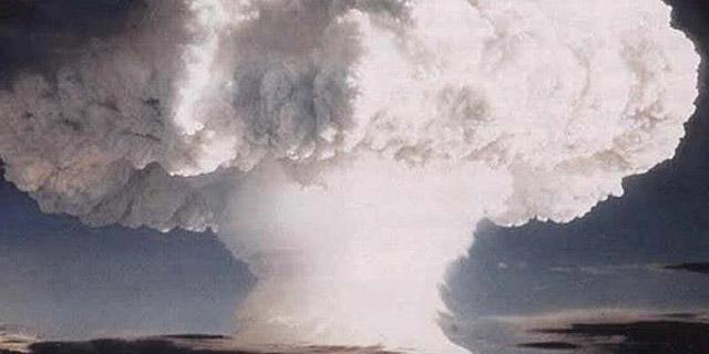 איפה לומדים לפתח פצצת אטום?