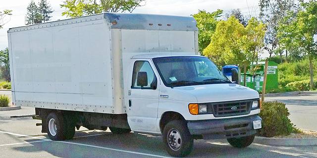 המשאית של ברנדון בחניה של גוגל