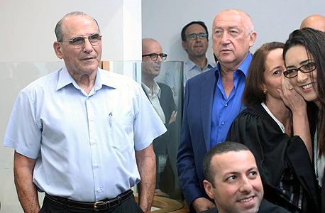 מימין איריס ניב סבאג  עורכת דין נוית נגב מיכאל צ'רנוי גד זאבי הכרעת דין מניות בזק, צילום: עמית שעל