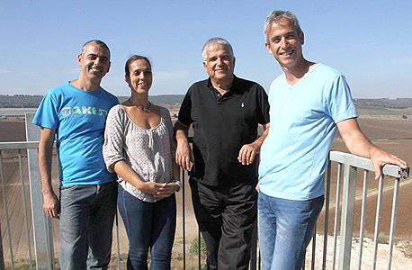 """מימין לשמאל: אופיר דובובי, יוסי אקרמן, קרן סגל וגלעד ויצמן, השותפים לחברת Open Valley. אקרמן: """"הגיל שלי הוא כנראה כמו של שלושתם ביחד"""""""