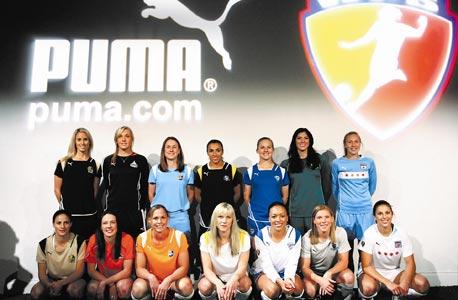 """ליגת כדורגל הנשים בארה""""ב מנסה להתחיל מחדש"""
