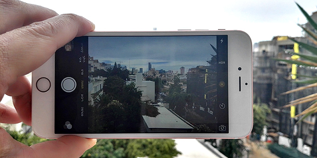 אייפון 6S. בקרוב עם מסך תוצרת אפל?, צילום: רפאל קאהאן