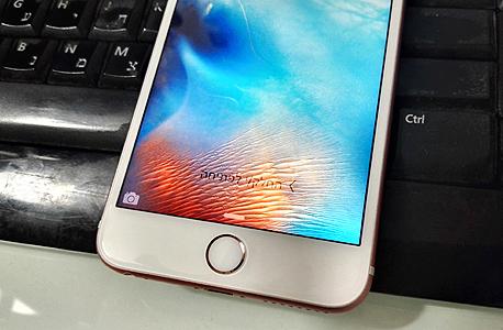 אפל אייפון 6S פלוס פאבלט 13, צילום: רפאל קאהאן