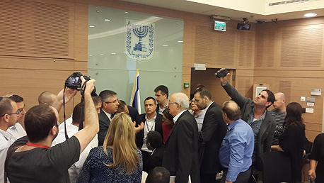 ראשי רשויות מתפרצים לוועדה, צילום: עמרי מילמן