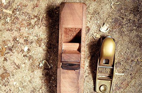 מוסף באזז 18.11.15 עץ זו שפה כלים נגרות , צילום: תומי הרפז