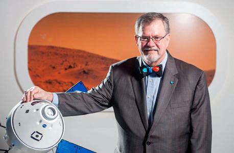 """ד""""ר מייקל האווס. מתי נגיע לכוכב האדום?"""