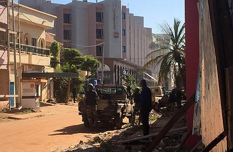 מלון רדיסון בלו במאקו צבא מאלי  בני ערובה טרור, צילום: איי אף פי
