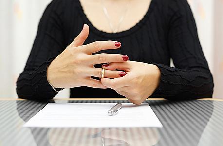 הסכם ממון הוא הסכם הנערך בין בני זוג ולא בין אנשים זרים