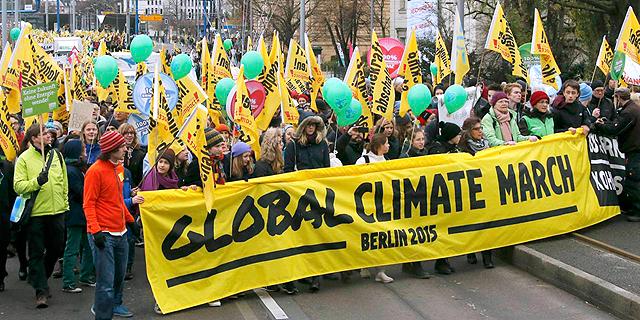 מפגינים בברלין, צילום: רויטרס