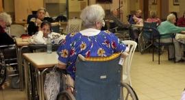 סיעודי חולים זקנים סיעודיים, צילום: צביקה טישלר