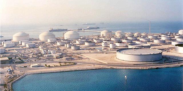 מתקן נפט בסעודיה. המתנגדים הבולטים להסרת הסנקציות הבינלאומיות מעל איראן הגיעו מריאד, צילום: אי פי איי