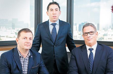 מימין: אדם סטרן, דיוויד באקי ואיוון מיריאנטופולוס
