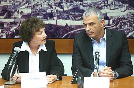 מימין: שר האוצר ונגידת בנק ישראל. טוויסט נוסף ביחסים