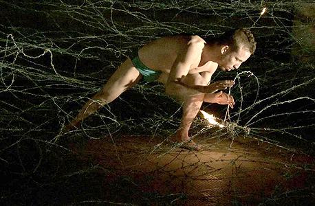 """עבודה של אנטון אברמוב ב""""מתקן 27"""". """"לחשוף אמנות רדיקלית לעוד קהלים"""""""