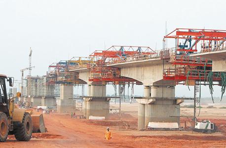 בניית גשר לוקו על ידי שיכון ובינוי בניגריה, צילום: יוטיוב