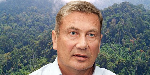 נוחי דנקנר ניצל מהתרסקות מסוק בג'ונגל