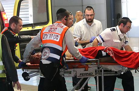 זירת הפיגוע בשער יפו בירושלים. הנחיית הועדה לאתיקה של ההסתדרות הרפואית מציפה שאלות רבות