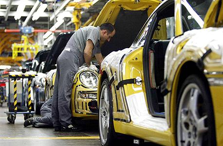 מפעל פורשה בגרמניה, צילום: בלומברג