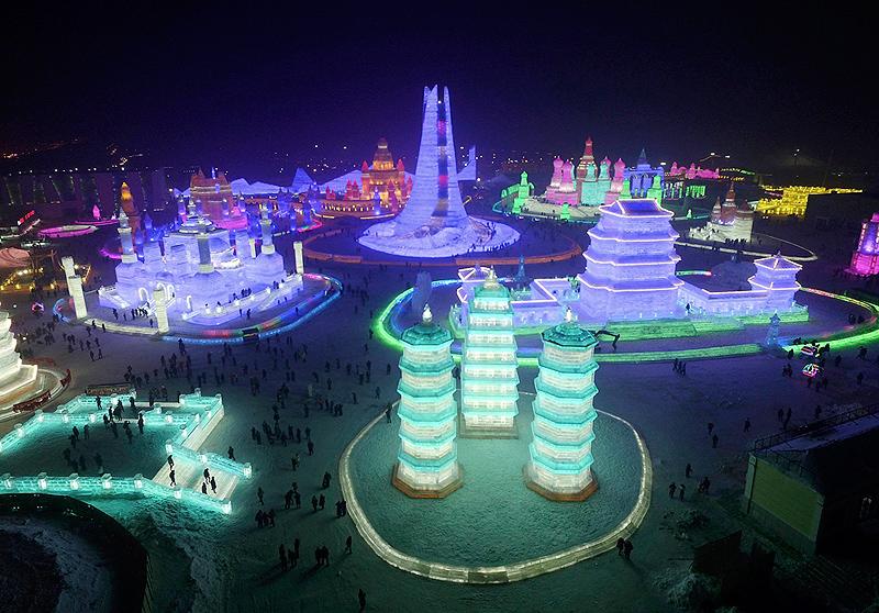 לפסטיבל אין תאריך סיום, הוא נמשך עד שהשלג נמס, צילום: רויטרס