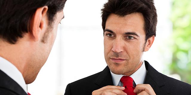 למה אנשים נרקיסיסטים ומניפולטיביים מצליחים יותר בקריירה