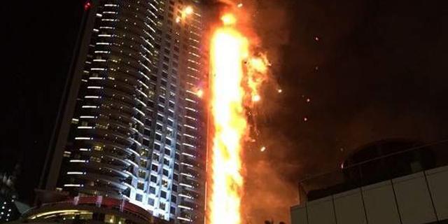 """השריפה ליד בורג' חליפה היתה הפרומו: """"מאות מגורדי השחקים של דובאי בסכנת התלקחות"""""""