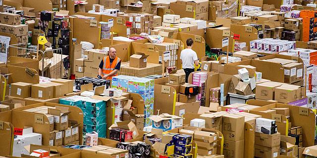 אמזון: ההכנסות זינקו ב-31%, המניה עולה ב-2.5% במסחר המאוחר