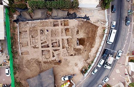 שרידי מצודה שנחשפה