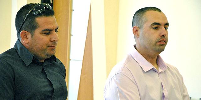 """גיא אליהו (מימין) ומני נפתלי, עובדי מעון רה""""מ לשעבר, צילום: עפר מאיר ynet"""