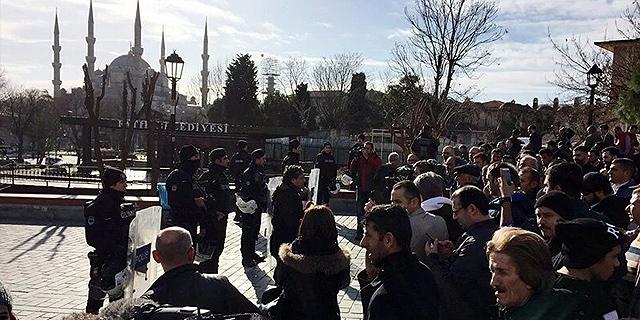 תמונות מזירת האירוע בסמוך למסגד הכחול באיסטנבול, צילום: twitter / Amichai Stein